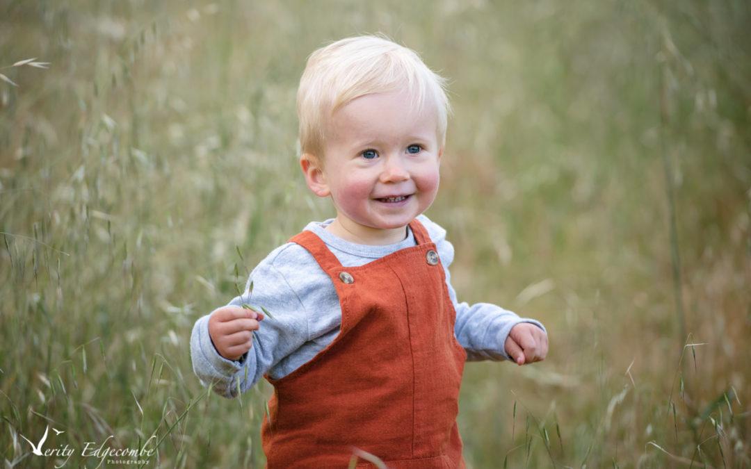 Precious! – family photos at Anstey Hill